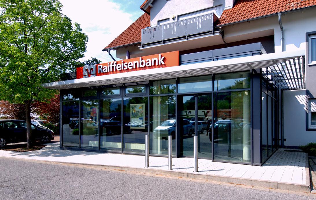 Filiale der Raiffeisenbank im PEZ